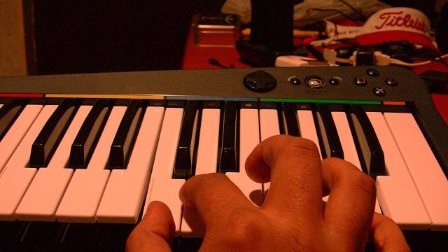 Rockband 3 Keyboard Standard Hand Placement Booya