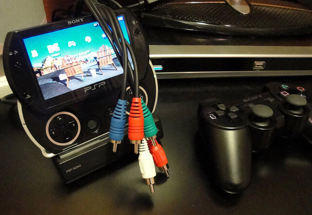 AV PSP Cable for External Monitor by BooyaGadget